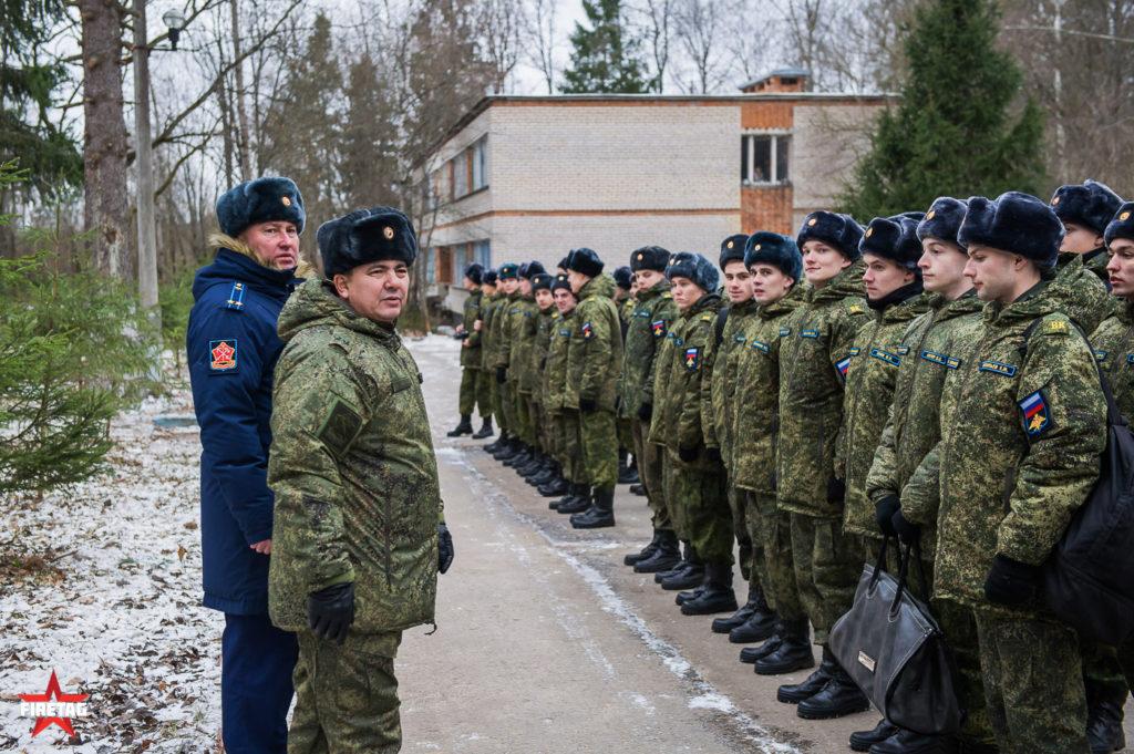 Линейка студентов военной кафедры МЭИ