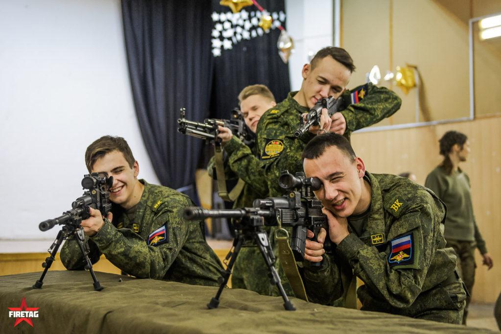 студенты военной кафедры МЭИ