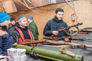 Курс молодого бойца знакомит с отечественным оружием