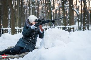 Отдыхает зимой в парке Фили на 23 февраля